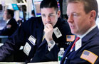 Stocks Sink Amid Global Growth Worries
