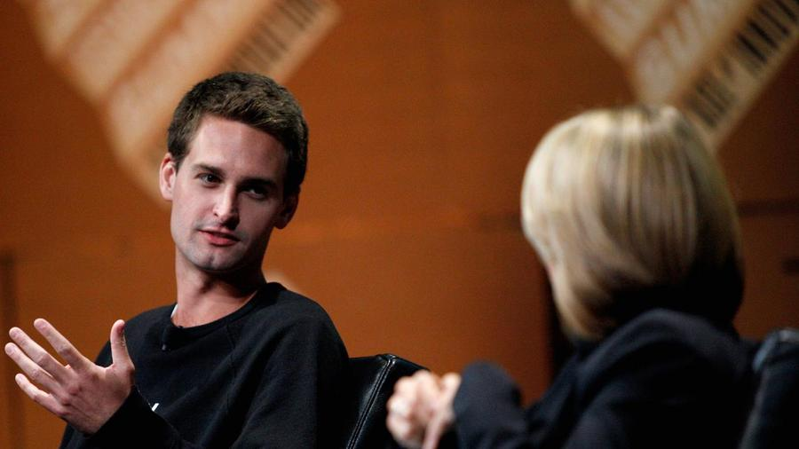Snapchat founder evan spiegel may try to sell company at a for Spiegel young money etf