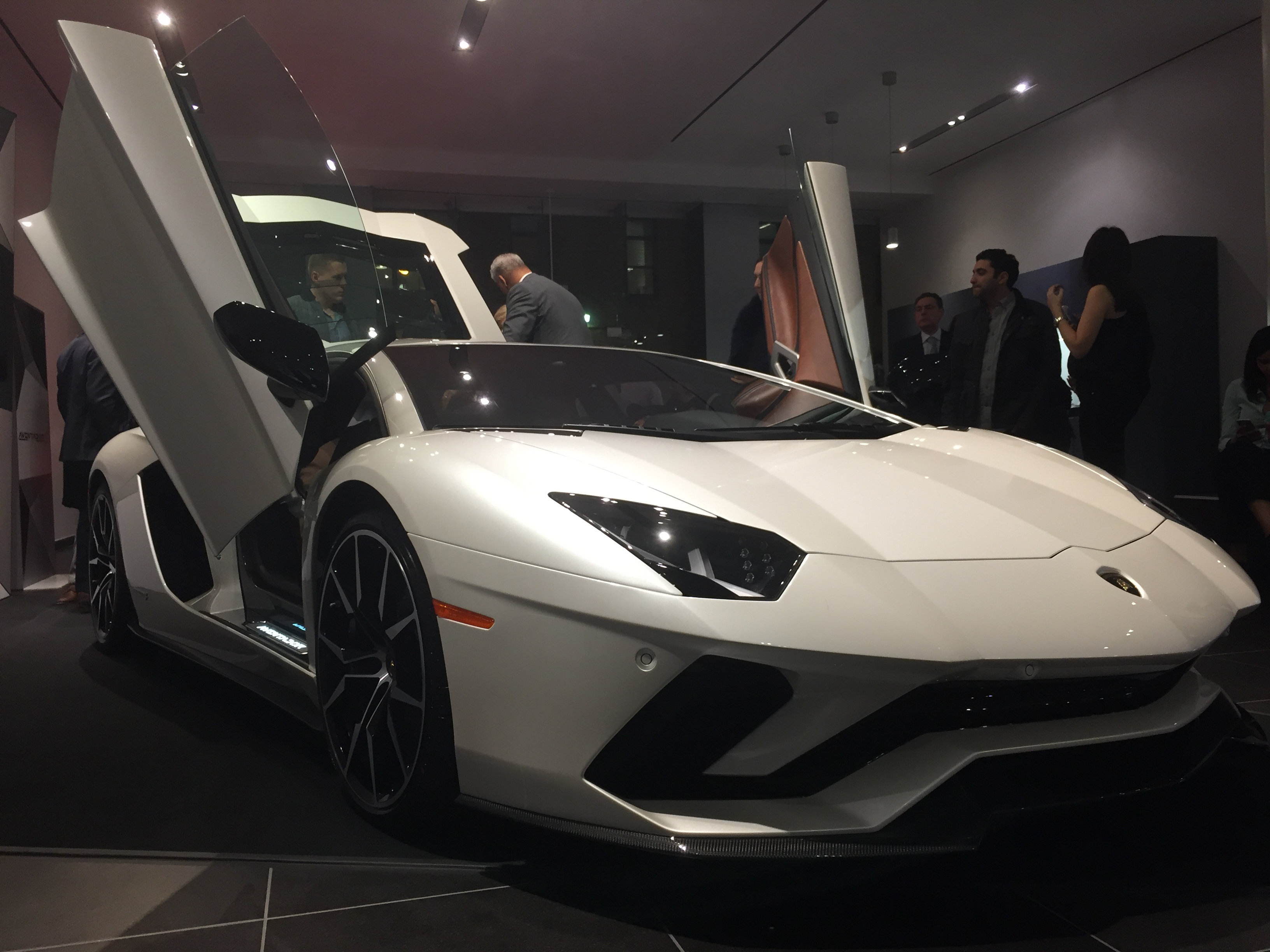 Watch The Mind Blowing New Lamborghini Aventador S Being Unveiled