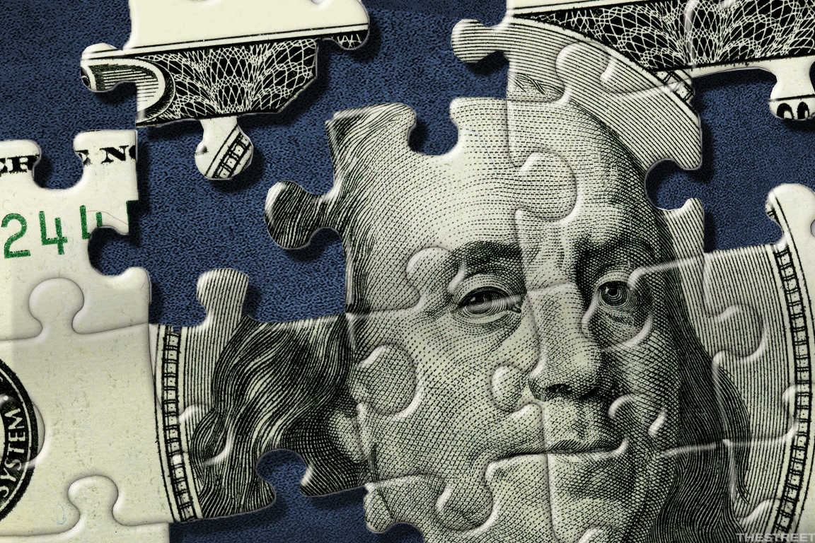 How Do Negative Interest Rates Work? - TheStreet