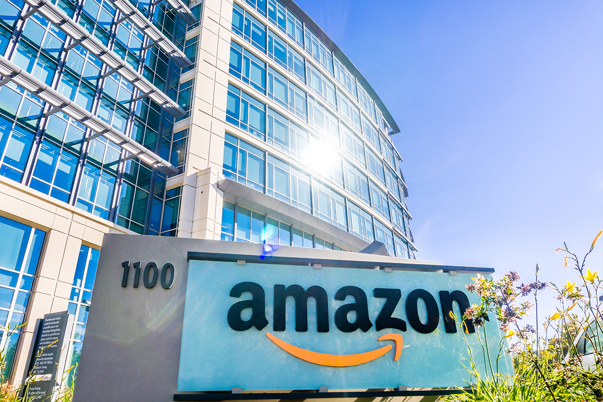 Amazon's Story: From Online Bookstore to a Major Tech Giant