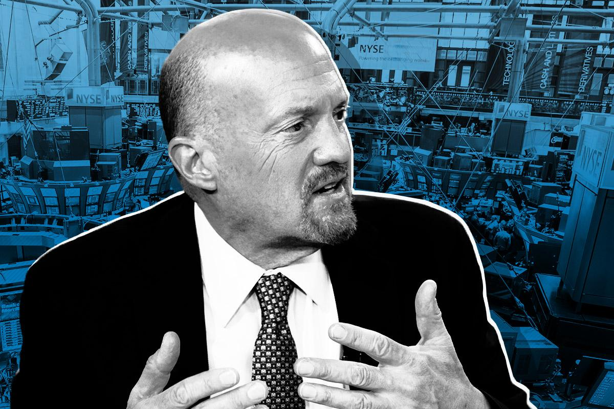 Don`t Upset the AAPL Cart: Cramer on Apple, China, Markets