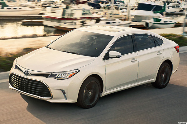 2016 Toyota Avalon Hybrid And Lexus Es 300h