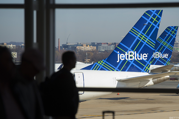 hey united jetblue investing in ai to handle complaints on twitter
