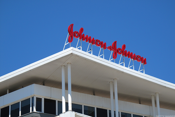Woman wins cancer talc case against Johnson & Johnson