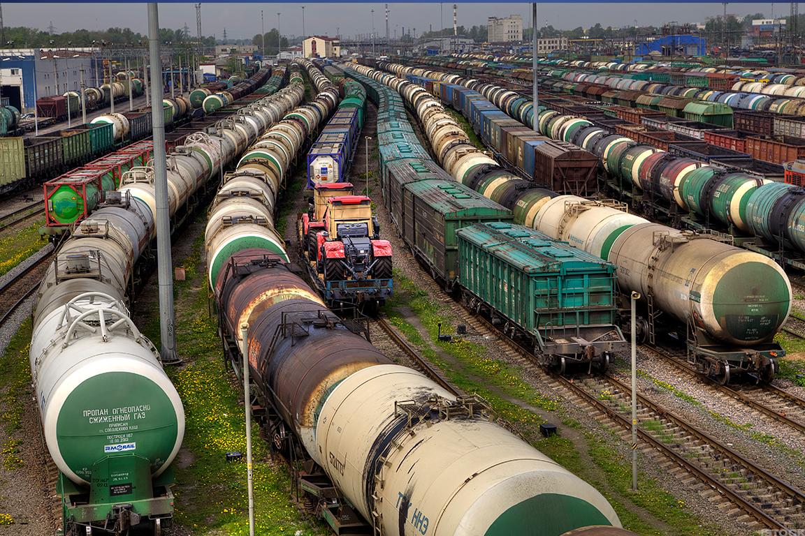 5 Railroad Stocks That Look Good Under The New Nafta Deal Thestreet