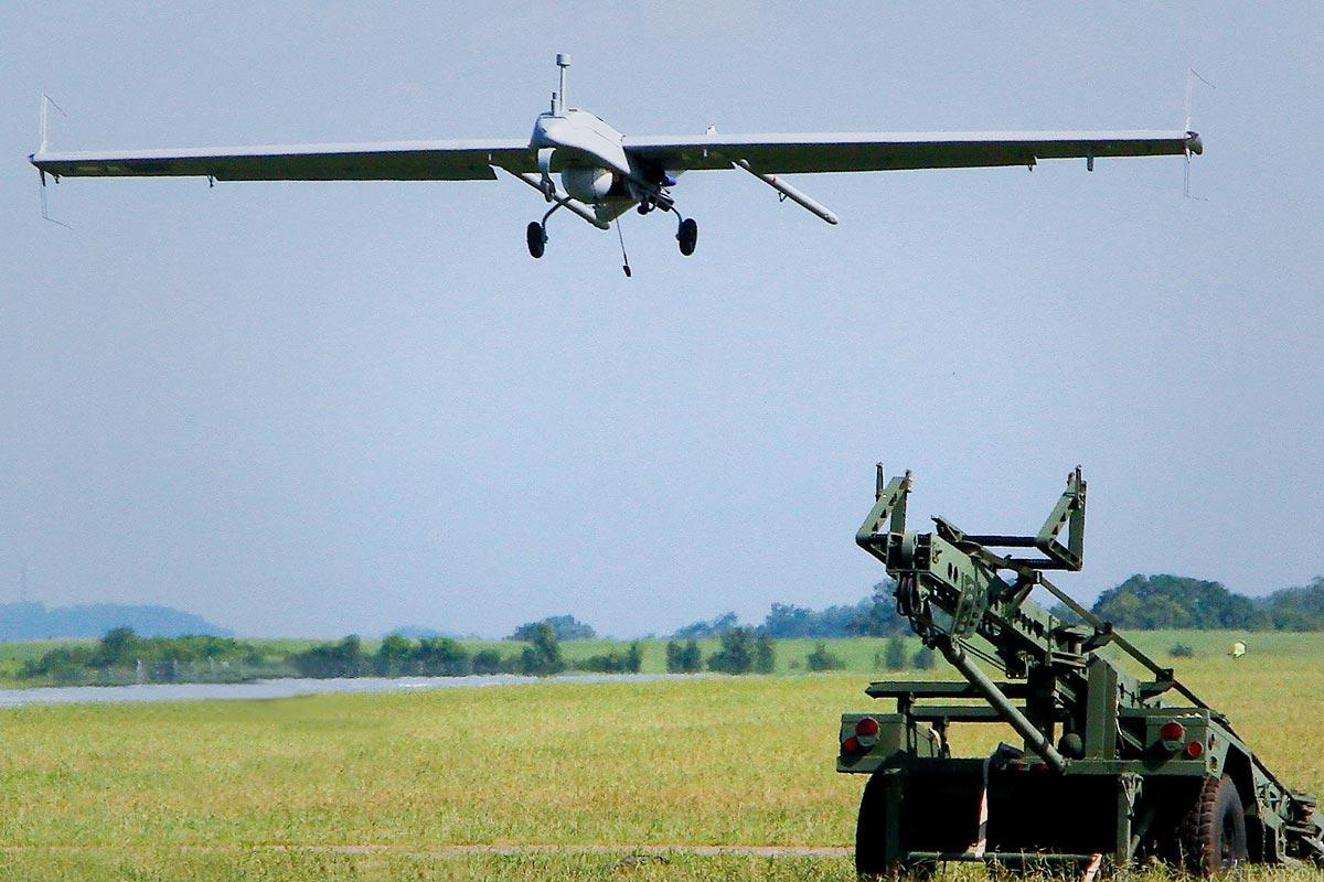 Textron Tumbles on Earnings and Revenue Miss, Downbeat Forecast