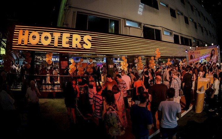 Hooters Has a Big $1 Million Problem in One of Its Key Overseas Markets