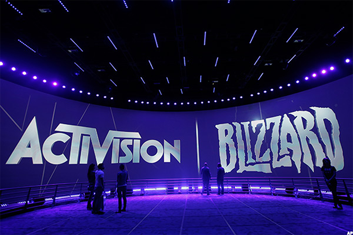 Activision Blizzard Falls on Analyst Downgrade