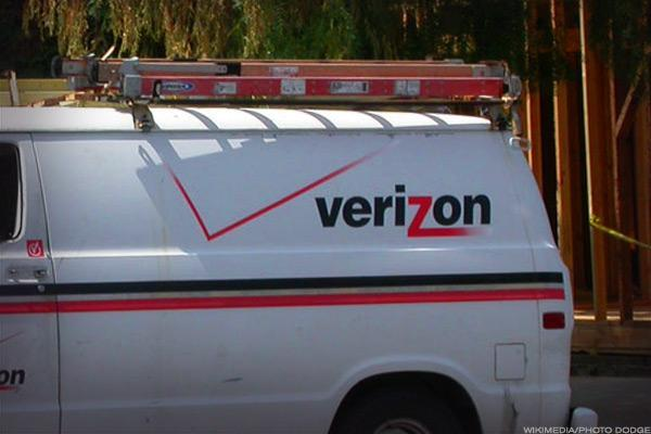Verizon to take on AT&T in fight for first responders