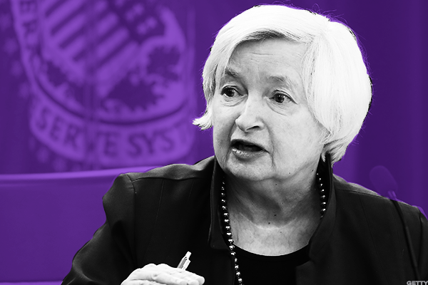 US Dollar Falls Ahead Of Yellen's Speech