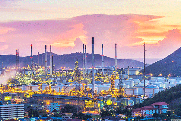 Largest Refinery in US Resumes Operations Following 2 Weeks of Inactivity