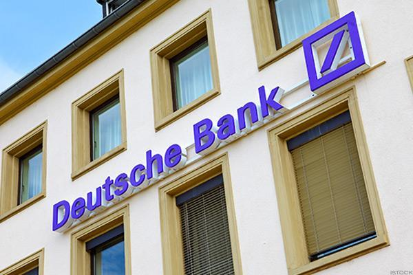 Deutsche Bank says to raise EUR8 bn with new share issue