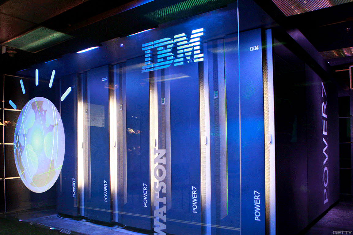 Buy IBM for Its Turnaround Story and Solid Dividend