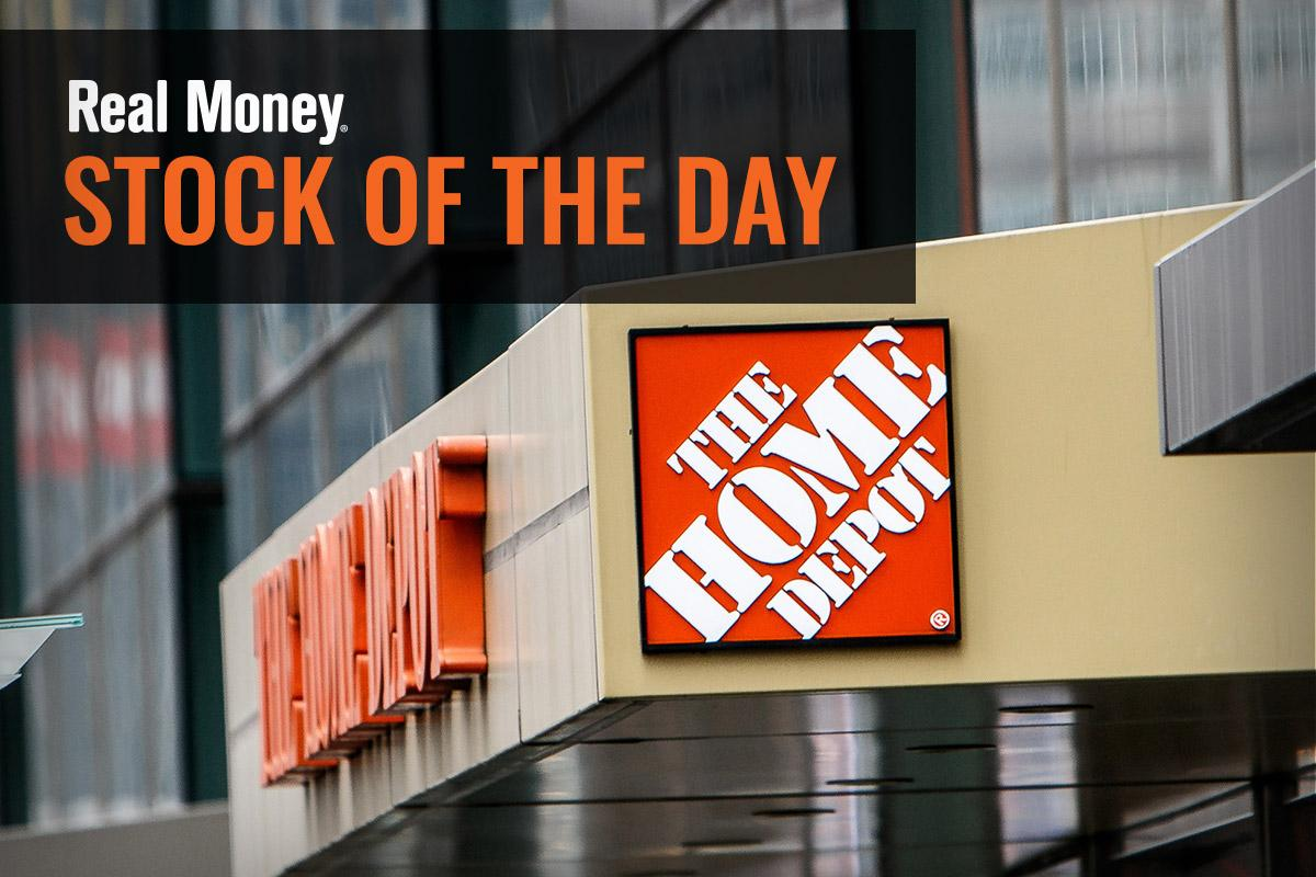 Home Depot Holds Its Ground Despite Disappointing Same-Store