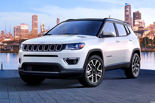 compass is fiat chrysler 39 s next step to double jeep sales thestreet. Black Bedroom Furniture Sets. Home Design Ideas