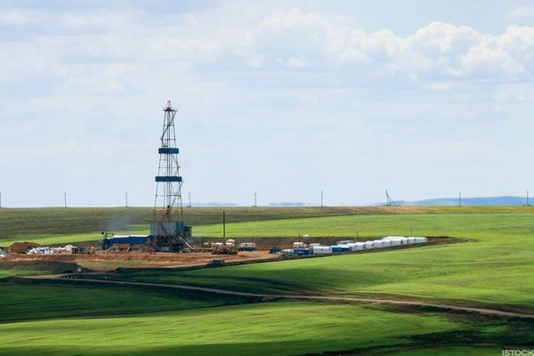 Modest Changes in US Oil/NatGas Patch, Rig Count Shows