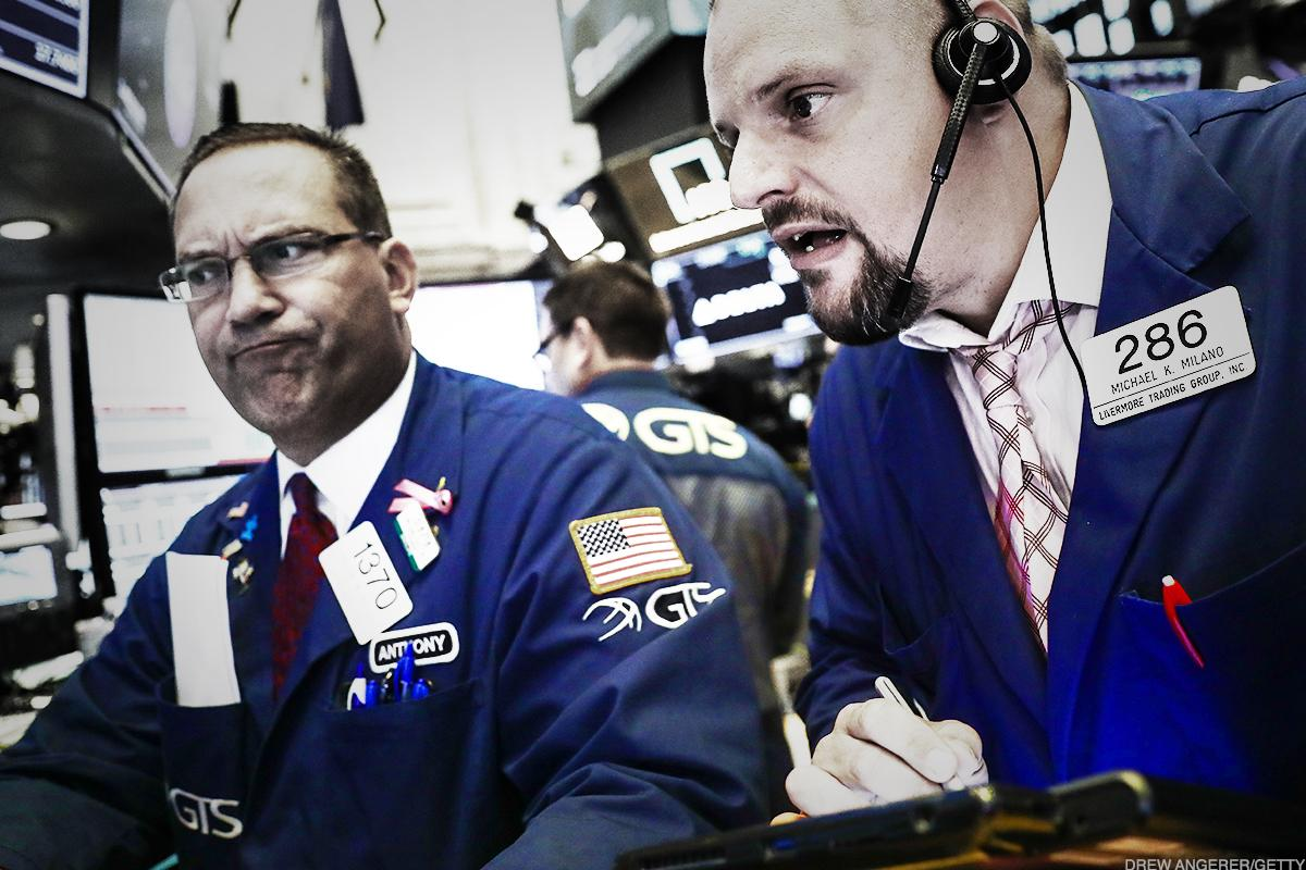 Dow Takes Sharp Turn Lower on Rates Fears, Tech Shares Sink