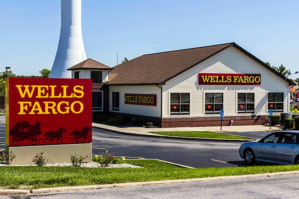 Six Months After Scandal, New Wells Fargo Accounts Still Sliding