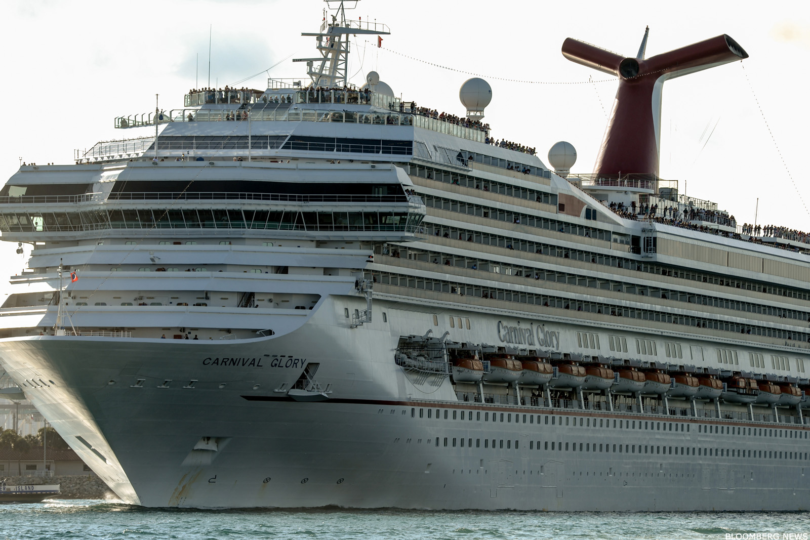 A Carnival Ccl Cruise Liner Will Be First U S Ship To