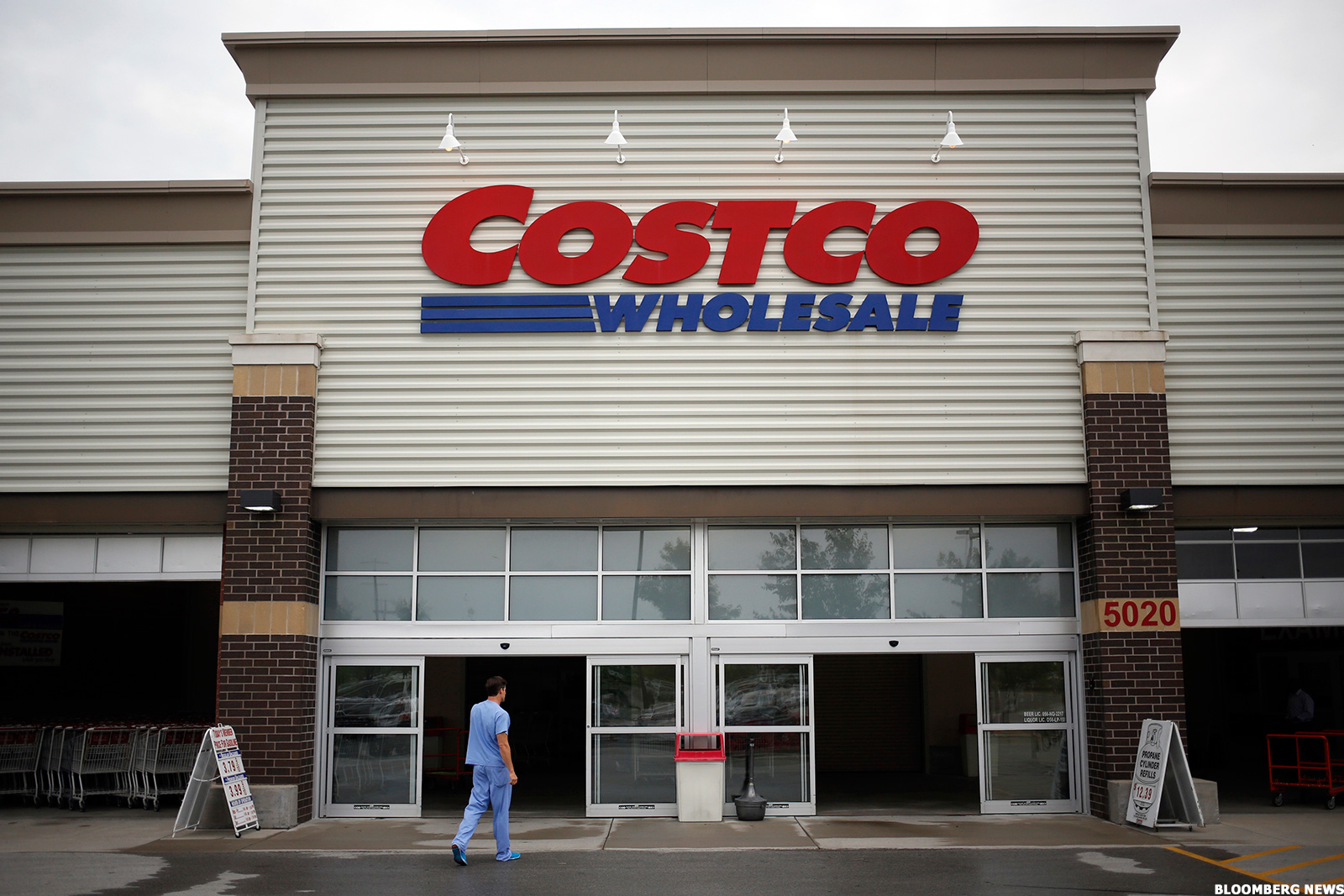 costco cost beats earnings estimates crushes walmarts wmt sams club yet again thestreet