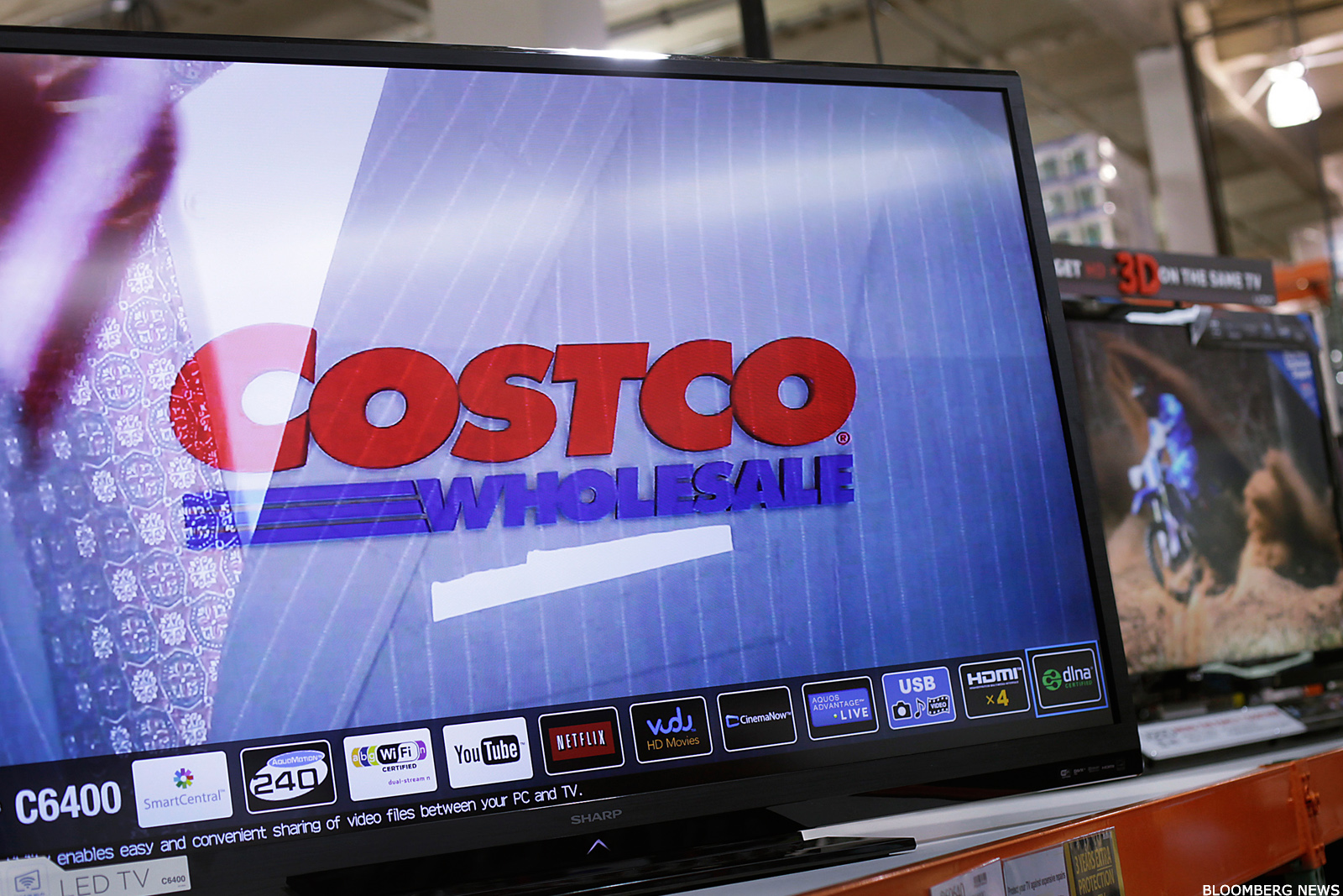 costco cost stock gains as q4 earnings top estimates