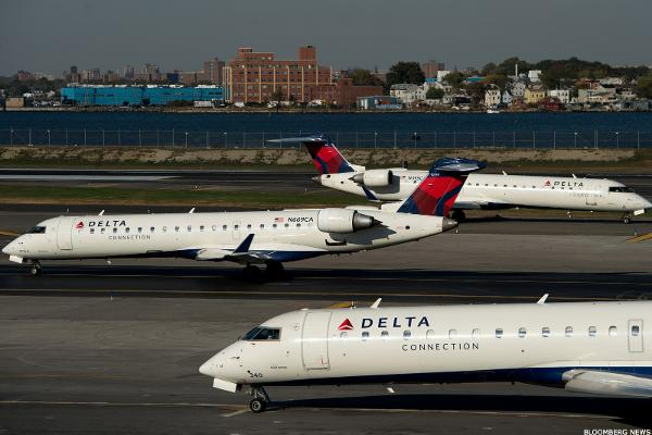 Delta Air Lines purchases 10% of Air France