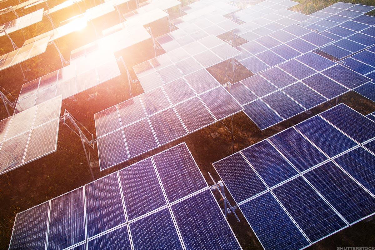 Canadian Solar Spirals Downward After Low 2019 Guidance