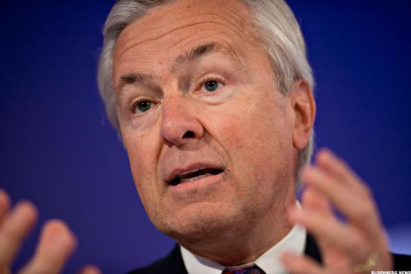 Wells Fargo CEO John Stumpf resigns effective immediately