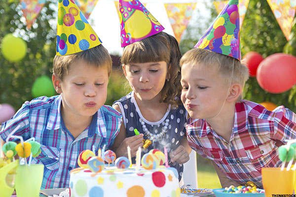 how to plan an awesome kid s birthday party on a budget 10 tips for