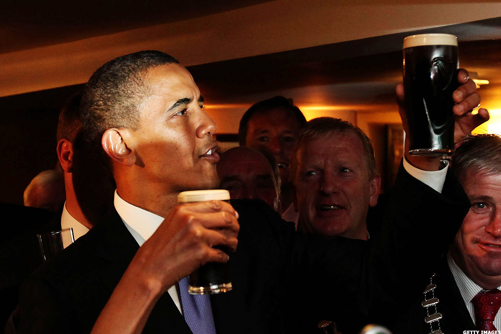 netflix u0026 39 s deal with president obama to make shows is super