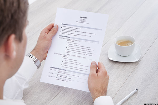 5 ways potential employers can tell when you re lying on your resume