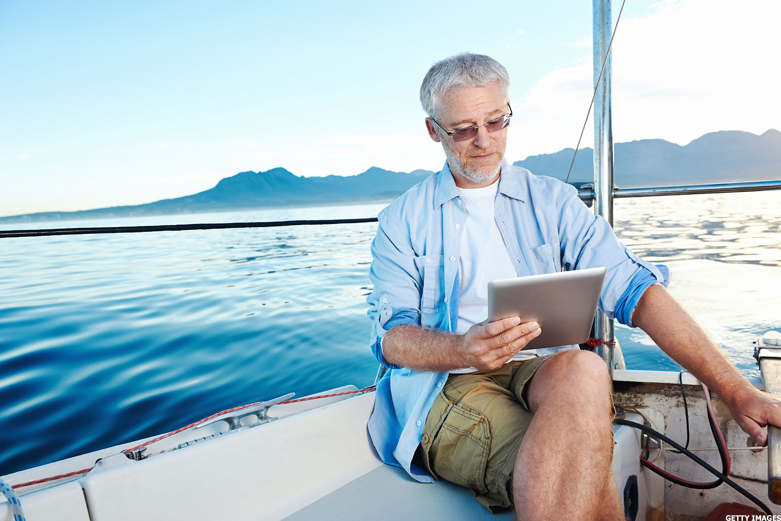 Should You Use Reddit for Retirement Advice? - TheStreet
