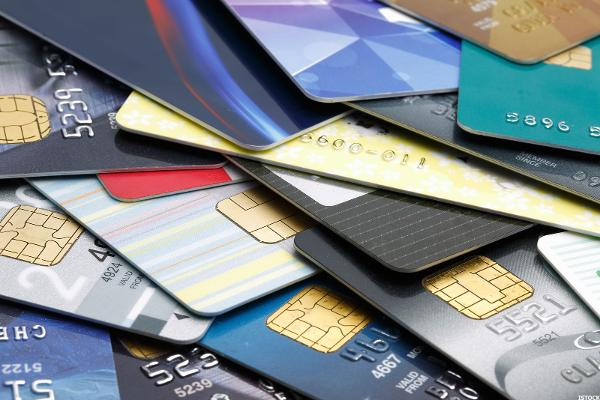 Best Credit Cards for College Students to Build Credit - TheStreet