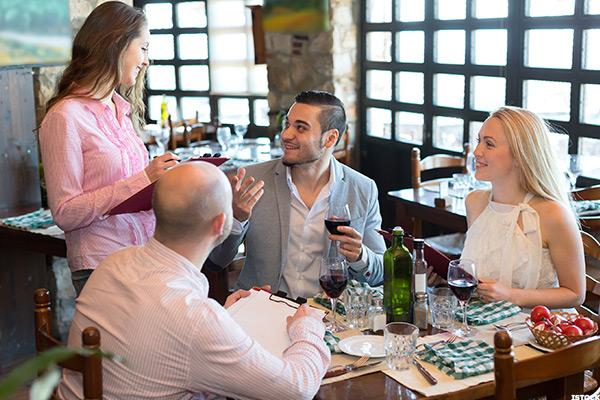 Men, Republicans among best restaurant tippers
