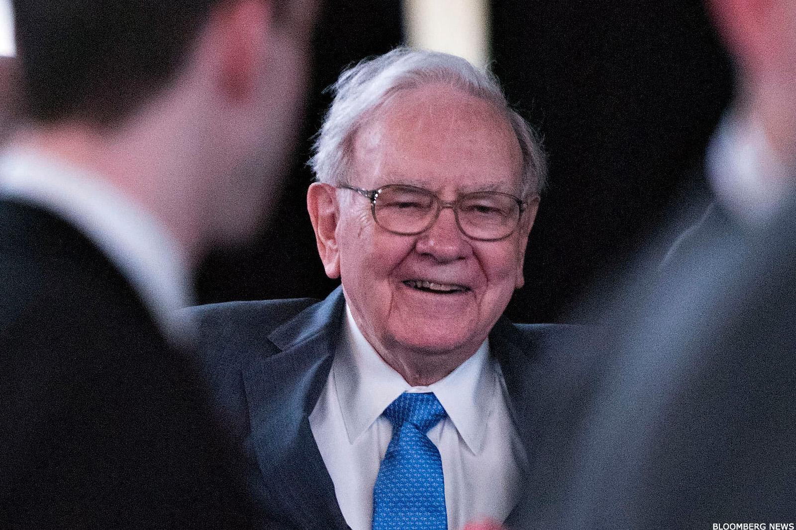 Why Billionaire Warren Buffett Is 100% Right on Apple