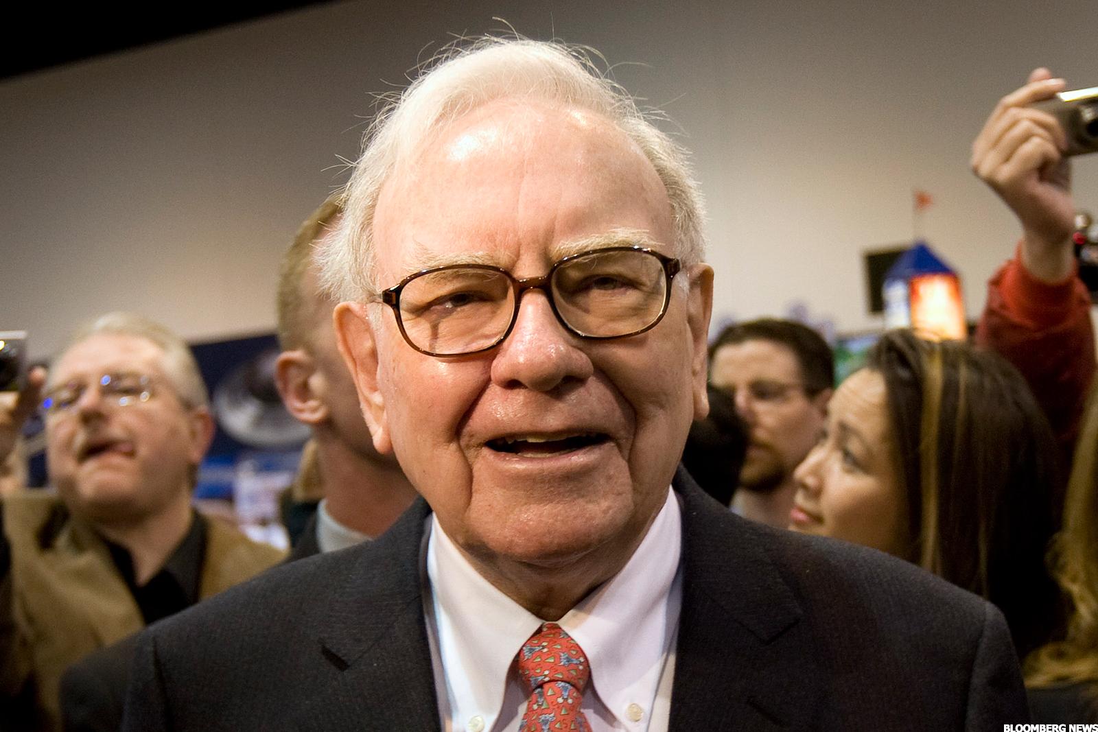 warren buffett Warren buffett didn't have much luck in the blockbuster-deals department last year, but his real estate brokerage business is on a tear.