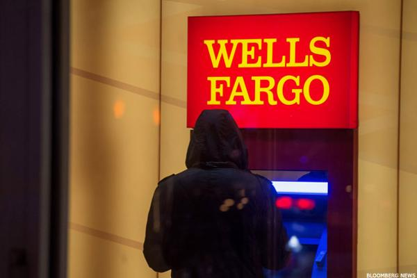 Embattled Wells Fargo revises employee pay system