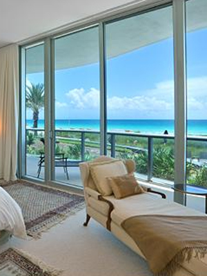 <b>Carillon Hotel - Miami Beach, Fla.</b>