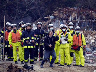 Japan Death Toll Estimates Surpass 10,000