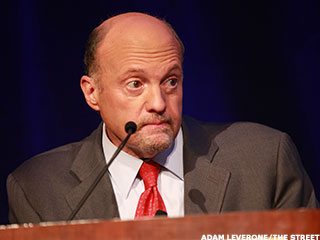 Dueling Gurus; Impact of Lower Interest Rates: Jim Cramer's Best Blogs
