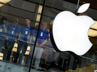 Apple, RIM: Tech Winners & Losers