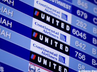 United, Continental Pilots Want Better Contracts