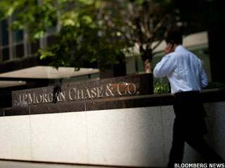 Regulators Lump JPMorgan With Crisis-Era Banks (Update 1)