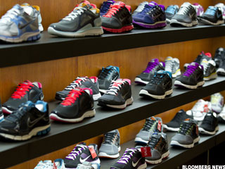 Nike Charts Warn of Weakness