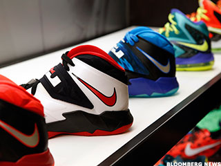 Sneakers at Work Are Running Up Sales for Nike, Foot Locker