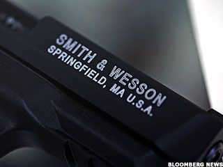 Smith & Wesson Hits Target, Reloads for 2014