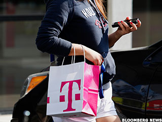 Iliad's Fairytale Bid for T-Mobile at Least $10 Billion Light