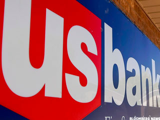U.S. Bancorp Meets Operating Estimate, Mortgage Revenue Declines (Update 2)