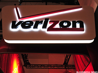 Verizon Meets Estimates, Boosted By Wireless Strength